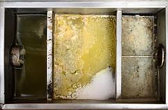グリストラップ槽の清掃